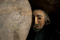 Travieso y jugueton el Achu se escabulle entre la gente - San Ignacio de Moxos.jpg