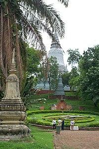 Chedi o stupa de Wat Phnom en Phnom Penh