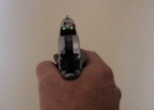 English: Handgun showing self lighting Tritium...