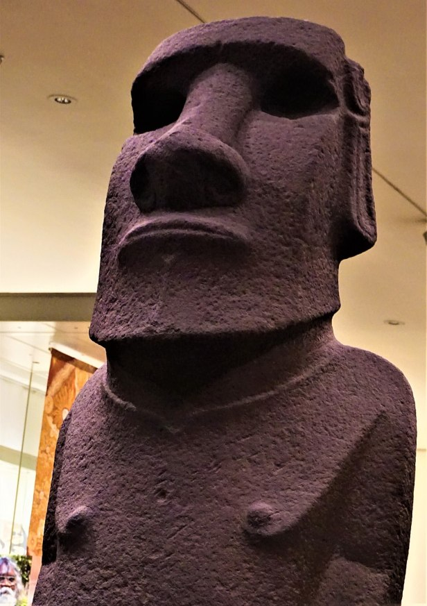 Hoa Hakananai'a - Moai from Easter Island - Joy of Museums