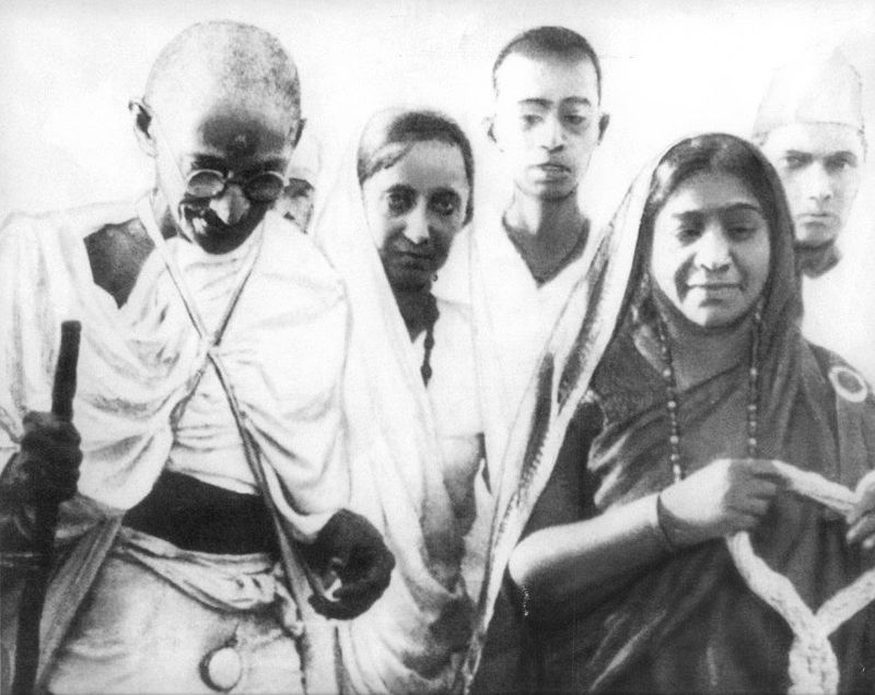800px Mahatma %26 Sarojini Naidu 1930 - Gandhi Jayanti 2nd Oct in Images- Quotes, Speech, Old Photos, Wishes, Video