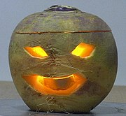 https://i0.wp.com/upload.wikimedia.org/wikipedia/commons/thumb/6/61/TurnipJackolantern.jpg/180px-TurnipJackolantern.jpg