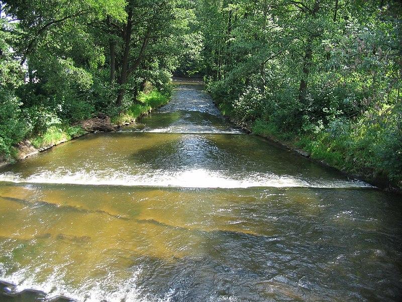 File:Řeka Ostružná.jpg