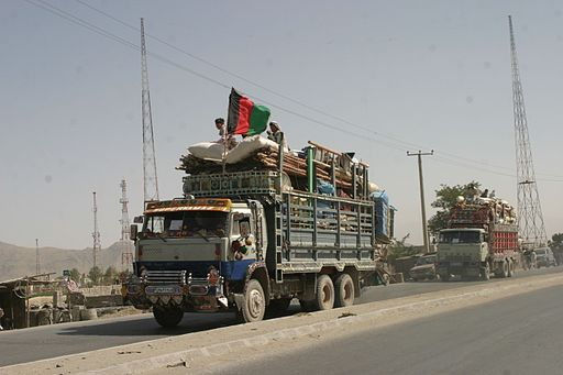 Afghan refugees returning from Pakistan in 2004