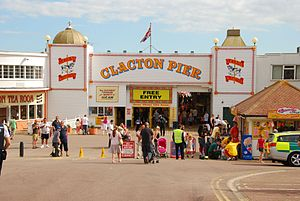 English: Pier, Clacton-on-Sea, United Kingdom ...