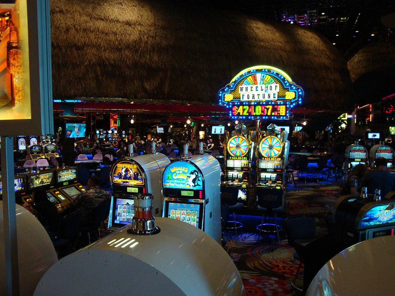 FileDSC29077 Atlantis Casino Hotel Reno Nevada USA