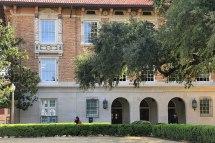 Garrison Hall - Wikipedia