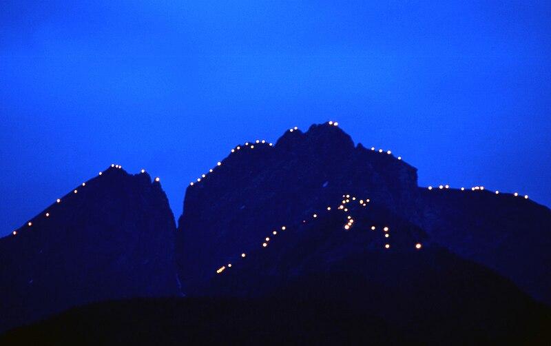 File:Ifinger Mountain - Herz Jesu Fires - South Tyrol.jpg