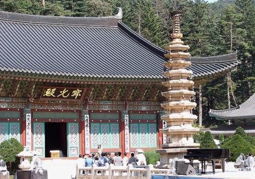 File:Korea-Gangwon-Woljeongsa Nine Story Pagoda 1743-07.JPG