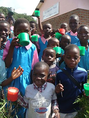 English: Malawi Kids with their Mary's Meals
