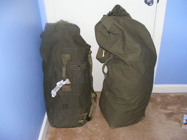 Duffel Bag - Wikipedia