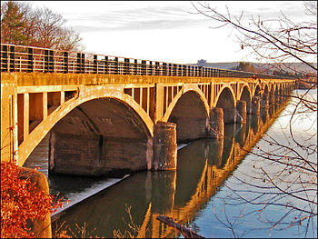 Bridge over Ashokan Reservoir in Catskill Moun...