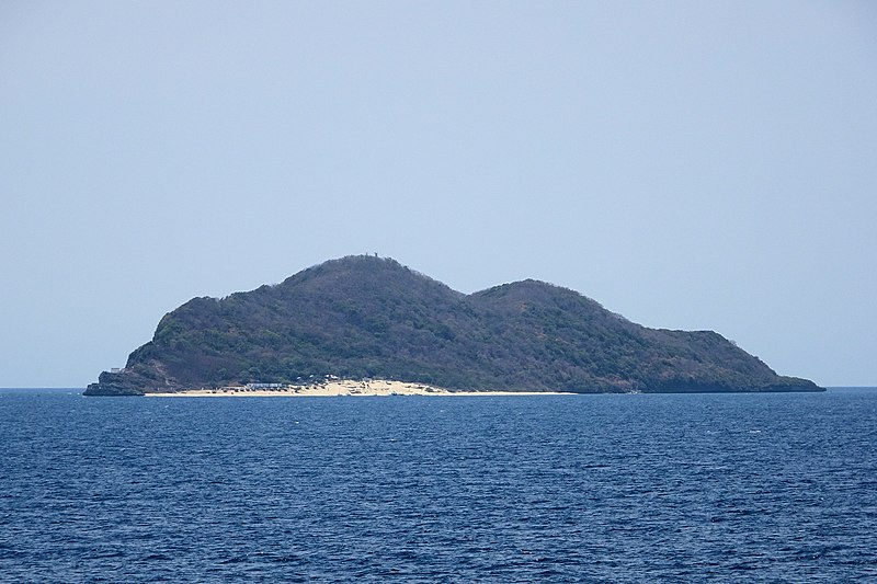 Beaches in Batangas, Fortune Island