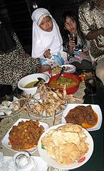 Menu Lebaran Ketupat Sayur : lebaran, ketupat, sayur, File:Hidangan, Lebaran.JPG, Wikimedia, Commons