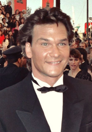 English: Patrick Swayze on the red carpet at t...