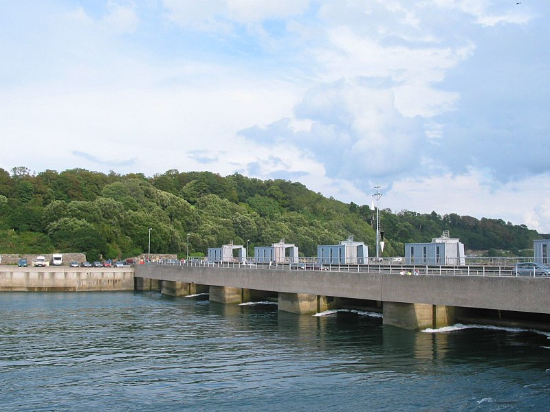 File:Rance tidal power plant.JPG