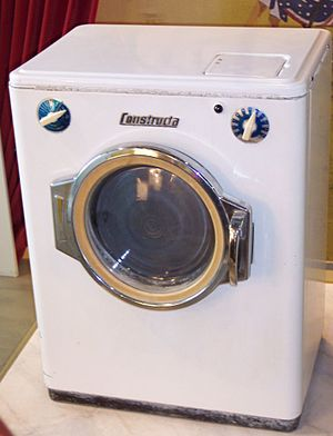 One of the 1st washing machines of Constructa