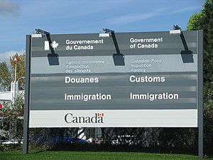 English: A Canadian Customs and Immigration se...