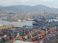 Immagine dal Porto di Genova (terminal, moli, ...