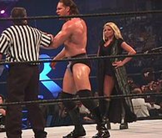 Stratus As Val Venis Manager During The  King Of The Ring Event