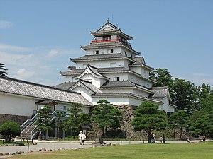 日本語: 会津若松城 English: Aizuwakamatsu Castle