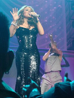 English: Mariah Carey performing live in Las Vegas
