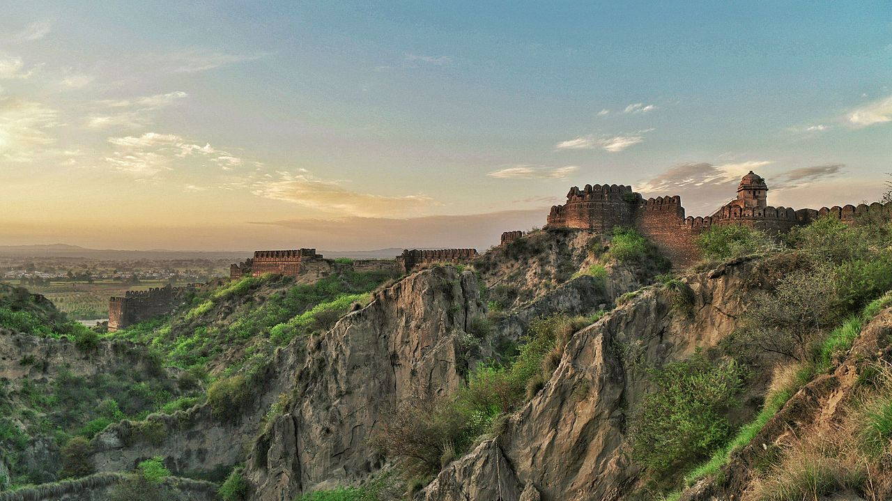 FileRohtas Fort Jhelum Pakistan  World Heritage Sitejpeg  Wikimedia Commons
