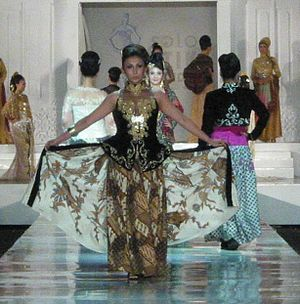 Solo Batik Fashion 2011