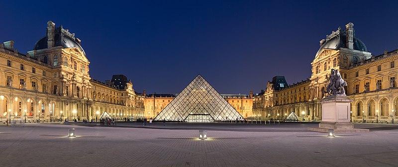 ルネサンス建築とバロック建築の複合 ルーブル美術館の参考画像