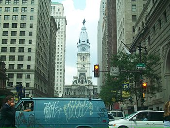 English: View of Philadelphia City Hall from t...