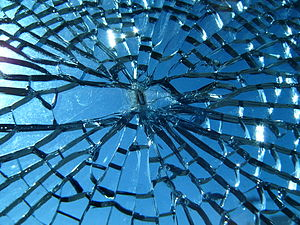 English: Broken glass