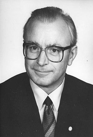 Wolfgang Schwanitz (1989)
