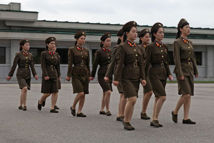 North Korea - Army and women soldiers (5015260495)