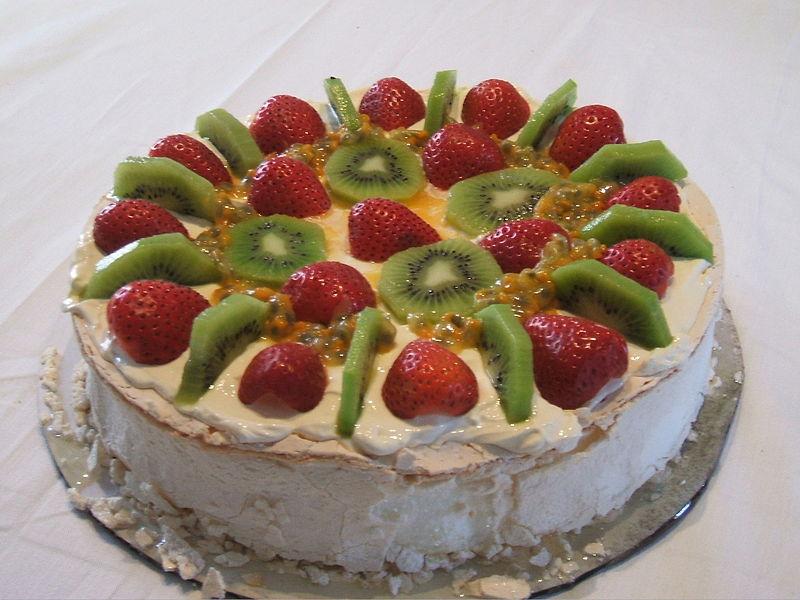 File:Pavlova dessert.JPG