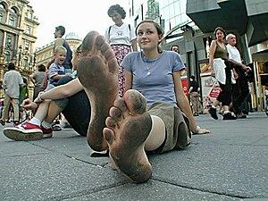 Stephansplatz in Vienna, Austria. Pedestrians ...