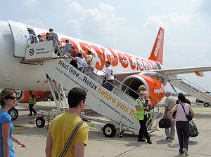 Boarding an EasyJet Airbus A319