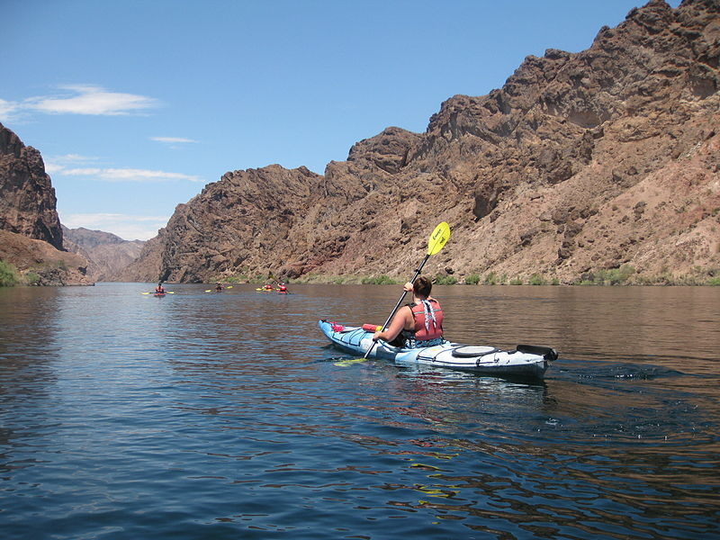File:Kayakin' on Colorado River.jpg