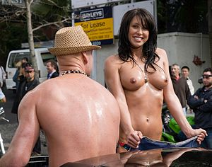 Lisa Lewis, porn star from New Zealand. Boobs ...