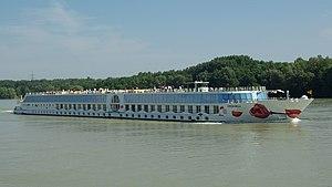 Deutsch: Das Passagierschiff A'Rosa Bella auf ...