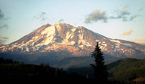 Mount Adams 3'742m, Washington, USA - with Ech...