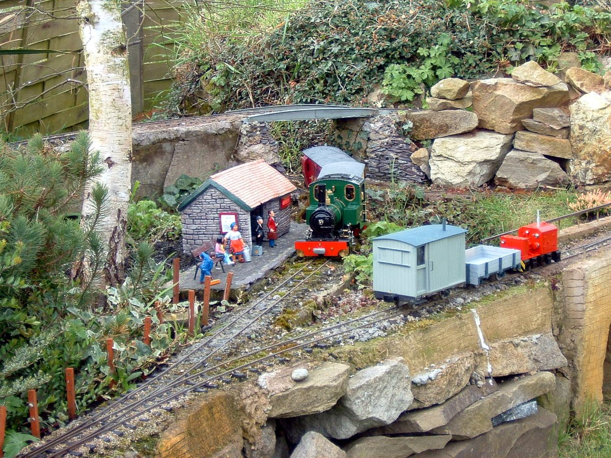 How Build Garden Train Layout