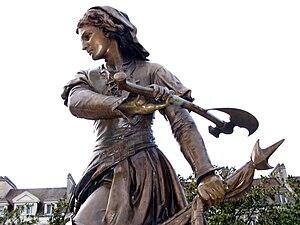 Beauvais (Oise, France) - Statue de Jeanne Hac...