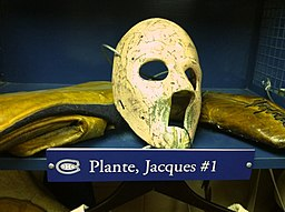 https://i0.wp.com/upload.wikimedia.org/wikipedia/commons/thumb/6/6a/Plante_display_Hockey_Hall_of_Fame.jpg/256px-Plante_display_Hockey_Hall_of_Fame.jpg