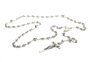 English: A sterling silver Catholic rosary. Fr...