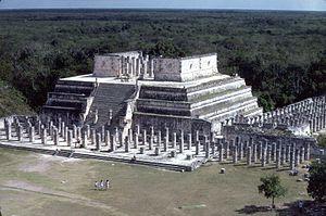 English: Temple of the Warriors, Chichen Itza....
