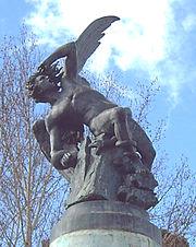 El Ángel Caido (R. Bellver, 1877), en Madrid (España).