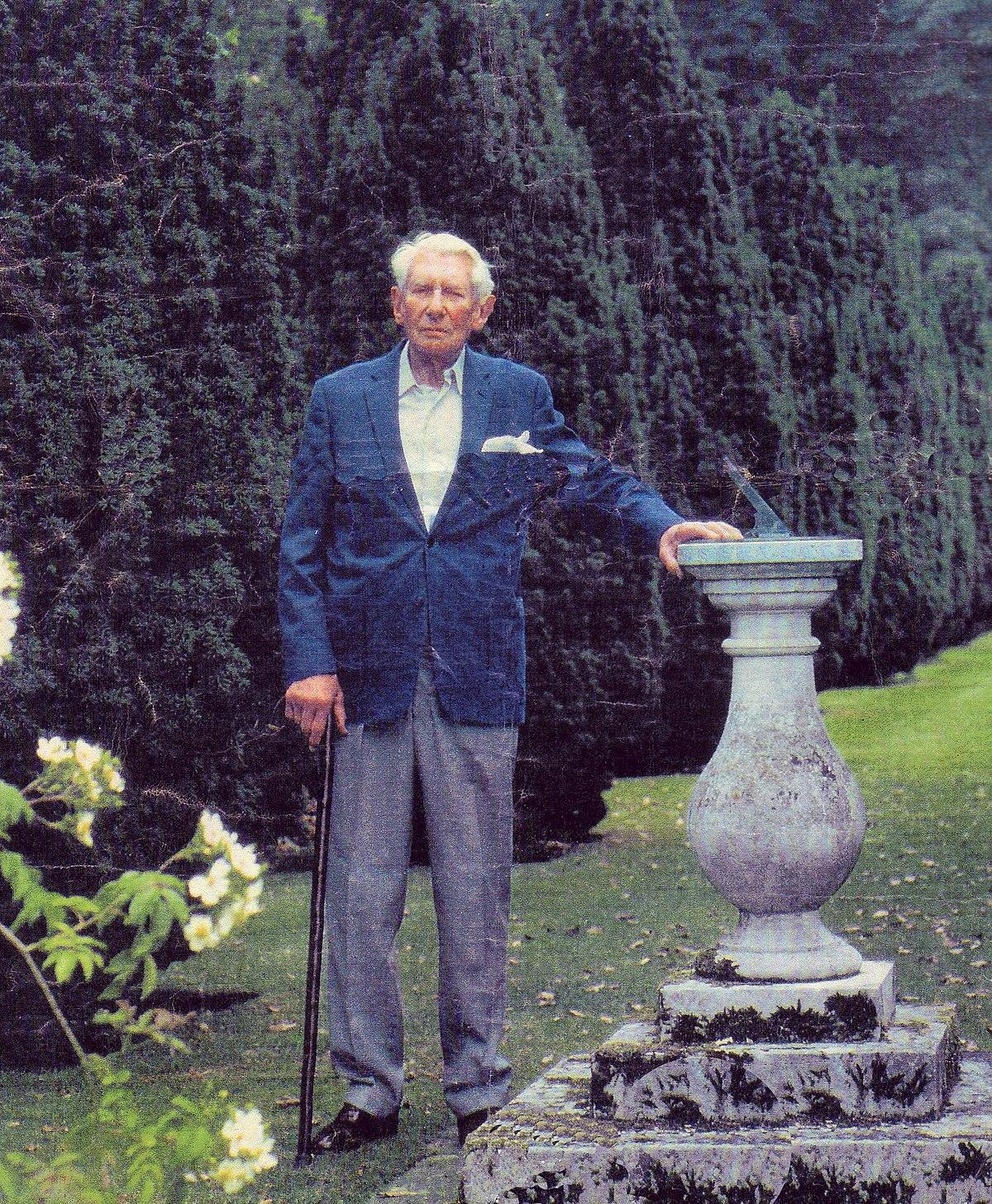 Ralph Dutton 8th Baron Sherborne  Wikipedia