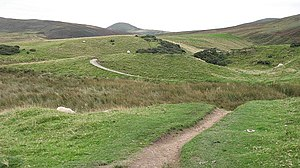 English: Winding path, Bavelaw A lovely path r...