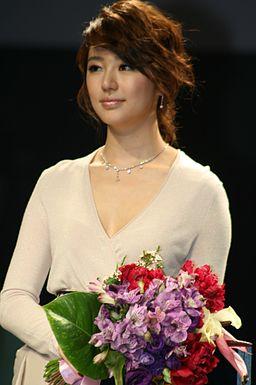 Yoon Eun-Hye (2)