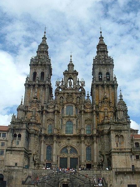 Archivo:Basílica de Santiago 02.JPG